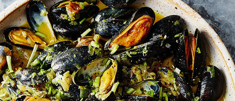 Mussels with Green Mango and Coconut Milk recipes-image